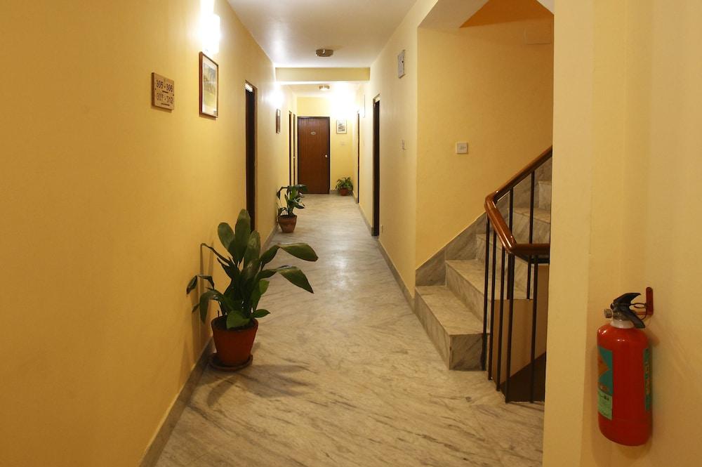 로얄 아스토리아 호텔(Royal Astoria Hotel) Hotel Image 45 - Hallway