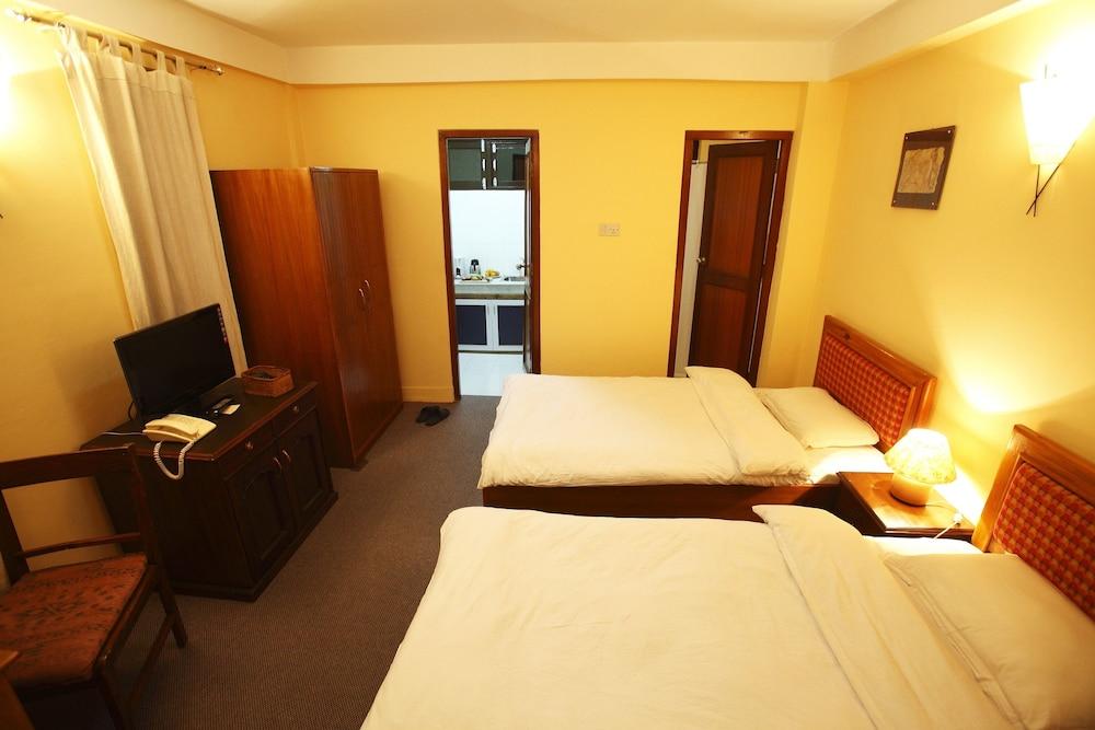 로얄 아스토리아 호텔(Royal Astoria Hotel) Hotel Image 11 - Guestroom