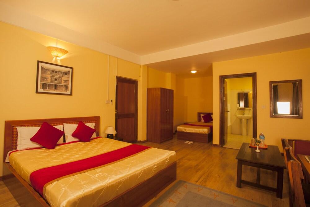 로얄 아스토리아 호텔(Royal Astoria Hotel) Hotel Image 12 - Guestroom