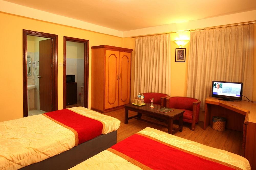 로얄 아스토리아 호텔(Royal Astoria Hotel) Hotel Image 23 - Guestroom