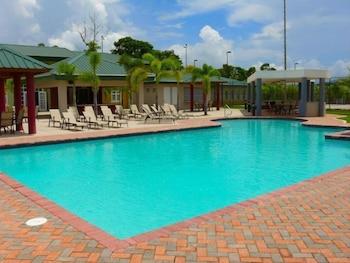 시드라 컨트리 클럽 인 & 빌라스(Cidra Country Club Inn & Villas) Hotel Image 6 - Outdoor Pool