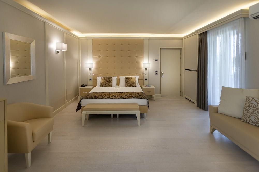 파크 호텔 임페리얼 센트로 타오 내추럴 메디컬 스파(Park Hotel Imperial Centro Tao Natural Medical Spa) Hotel Image 8 - Guestroom