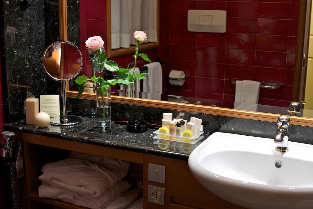 파크 호텔 임페리얼 센트로 타오 내추럴 메디컬 스파(Park Hotel Imperial Centro Tao Natural Medical Spa) Hotel Image 40 - Bathroom