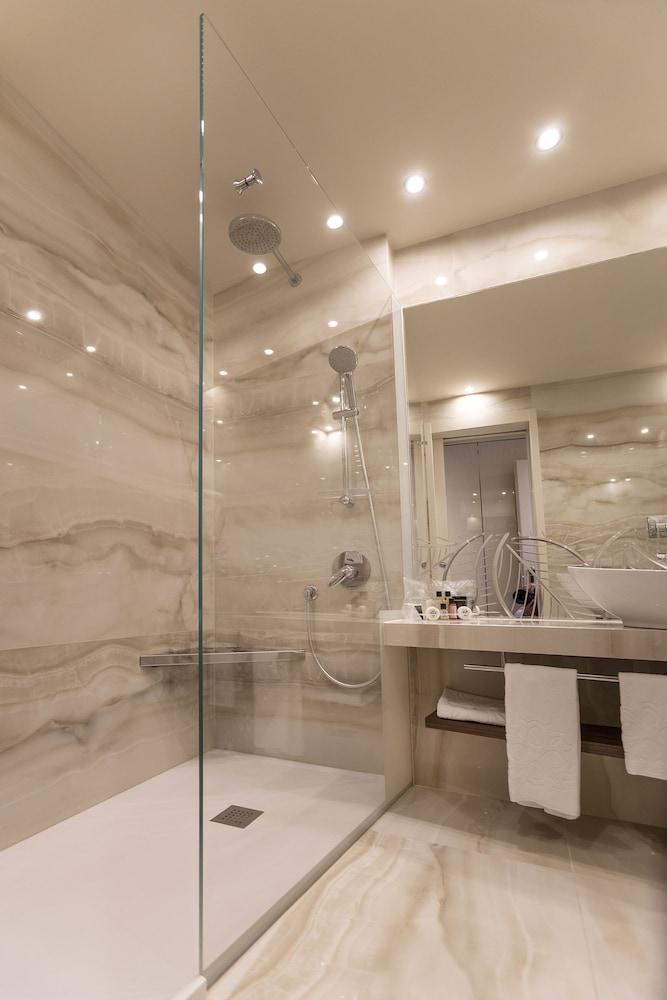 파크 호텔 임페리얼 센트로 타오 내추럴 메디컬 스파(Park Hotel Imperial Centro Tao Natural Medical Spa) Hotel Image 47 - Bathroom