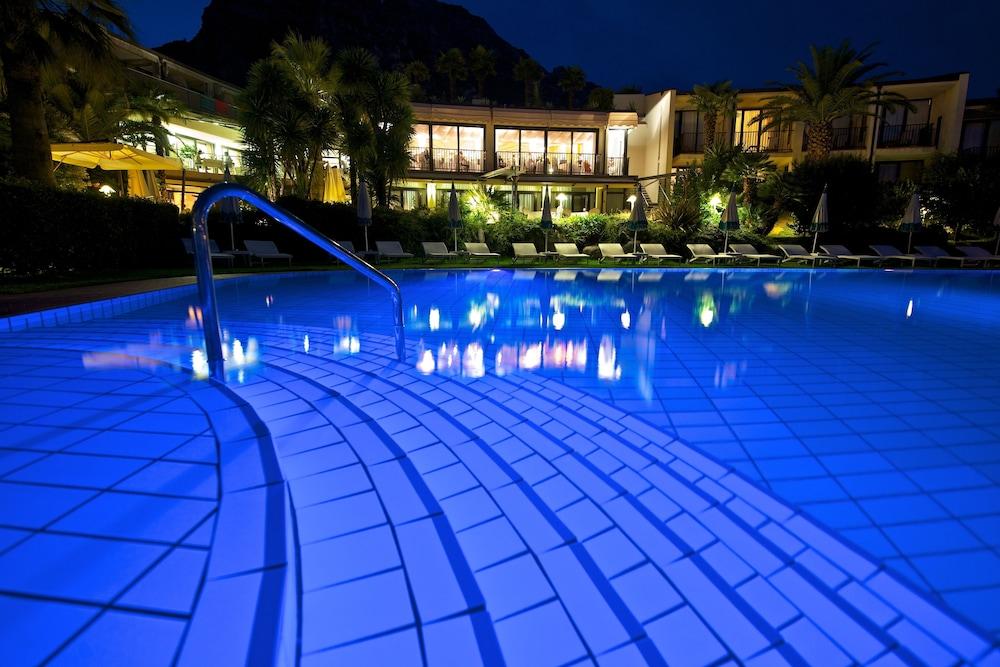 파크 호텔 임페리얼 센트로 타오 내추럴 메디컬 스파(Park Hotel Imperial Centro Tao Natural Medical Spa) Hotel Image 57 - Outdoor Pool