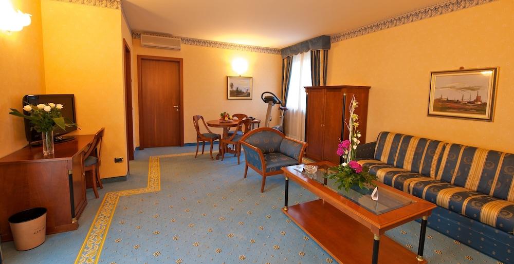 파크 호텔 임페리얼 센트로 타오 내추럴 메디컬 스파(Park Hotel Imperial Centro Tao Natural Medical Spa) Hotel Image 11 - Guestroom