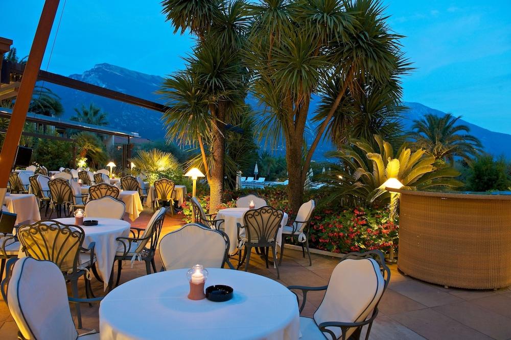 파크 호텔 임페리얼 센트로 타오 내추럴 메디컬 스파(Park Hotel Imperial Centro Tao Natural Medical Spa) Hotel Image 130 - Outdoor Dining