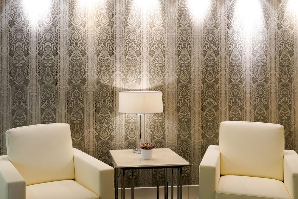 파크 호텔 임페리얼 센트로 타오 내추럴 메디컬 스파(Park Hotel Imperial Centro Tao Natural Medical Spa) Hotel Image 1 - Lobby Sitting Area