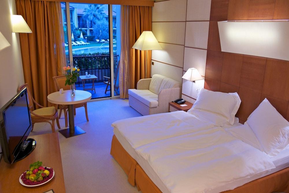 파크 호텔 임페리얼 센트로 타오 내추럴 메디컬 스파(Park Hotel Imperial Centro Tao Natural Medical Spa) Hotel Image 5 - Guestroom