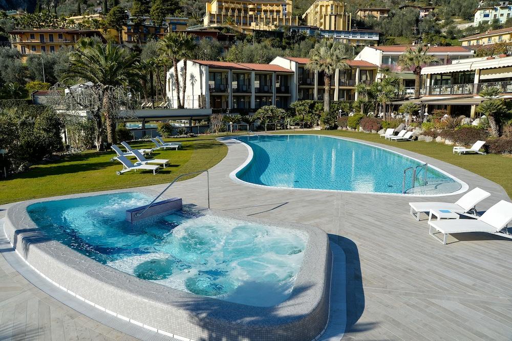 파크 호텔 임페리얼 센트로 타오 내추럴 메디컬 스파(Park Hotel Imperial Centro Tao Natural Medical Spa) Hotel Image 52 - Outdoor Pool