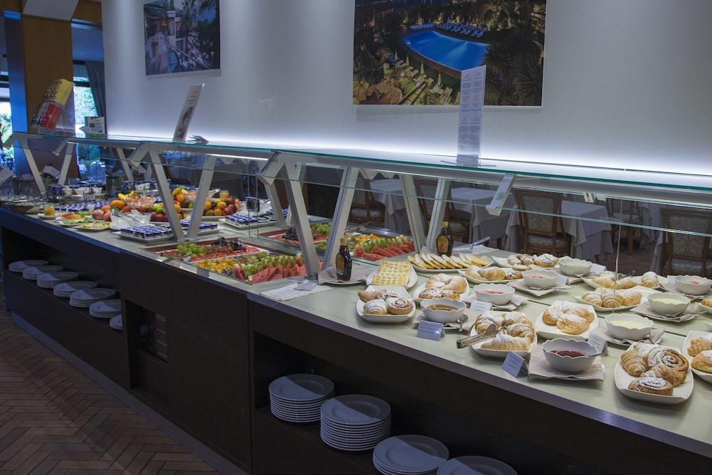 파크 호텔 임페리얼 센트로 타오 내추럴 메디컬 스파(Park Hotel Imperial Centro Tao Natural Medical Spa) Hotel Image 100 - Breakfast Area