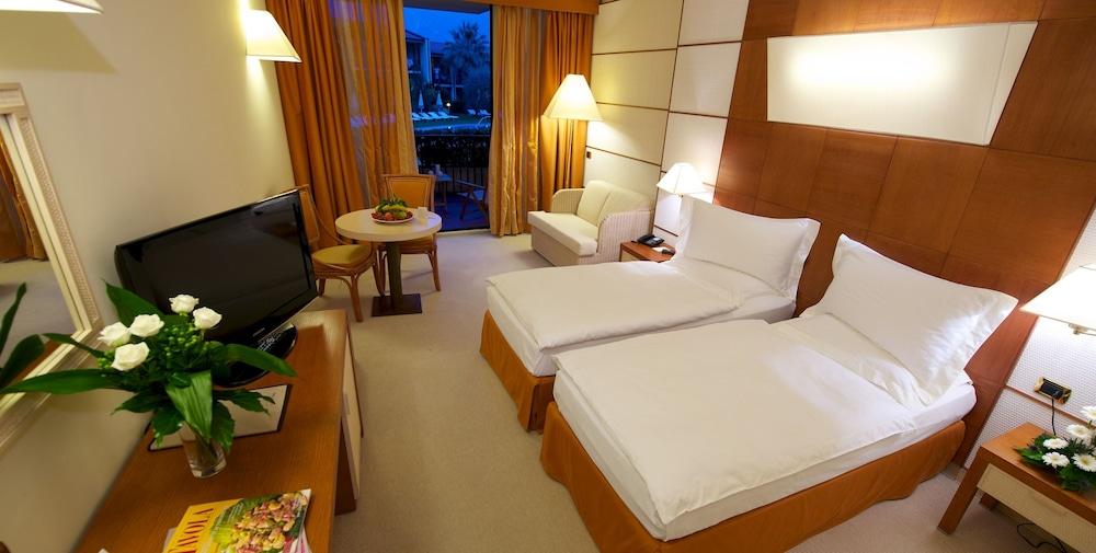파크 호텔 임페리얼 센트로 타오 내추럴 메디컬 스파(Park Hotel Imperial Centro Tao Natural Medical Spa) Hotel Image 4 - Guestroom