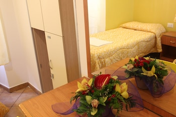 Standard Shared Dormitory, Mixed Dorm (External bathroom)