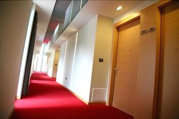 에스페리아 팰리스 호텔(Esperia Palace Hotel) Hotel Image 19 - Hallway