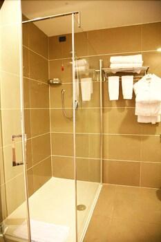 에스페리아 팰리스 호텔(Esperia Palace Hotel) Hotel Image 7 - Bathroom