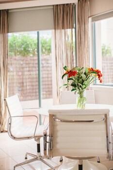 Arden 2 Bedroom Terrace (Weekly)
