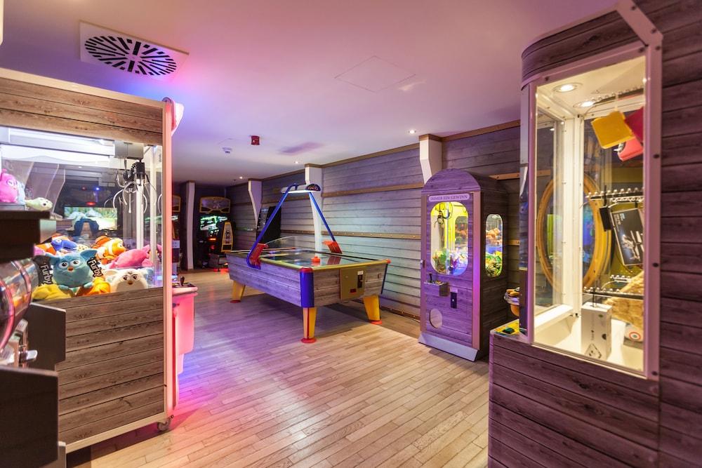 오이로파-파크 프라이차이트파크 & 에어레프니스-리조트, 호텔 벨 록(Europa-Park Freizeitpark & Erlebnis-Resort, Hotel Bell Rock) Hotel Image 35 - Game Room