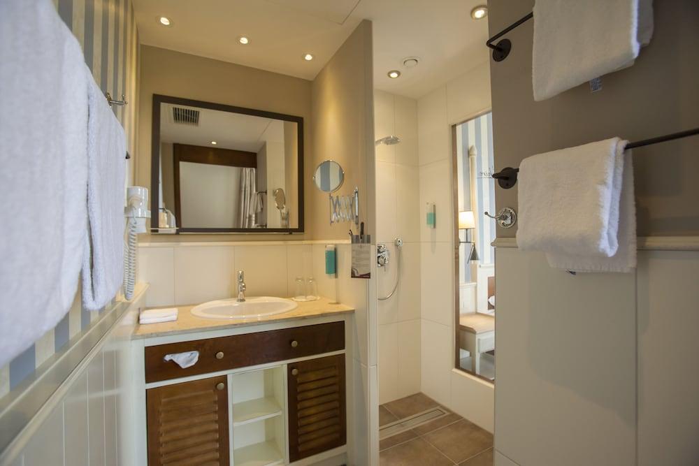 오이로파-파크 프라이차이트파크 & 에어레프니스-리조트, 호텔 벨 록(Europa-Park Freizeitpark & Erlebnis-Resort, Hotel Bell Rock) Hotel Image 9 - Bathroom