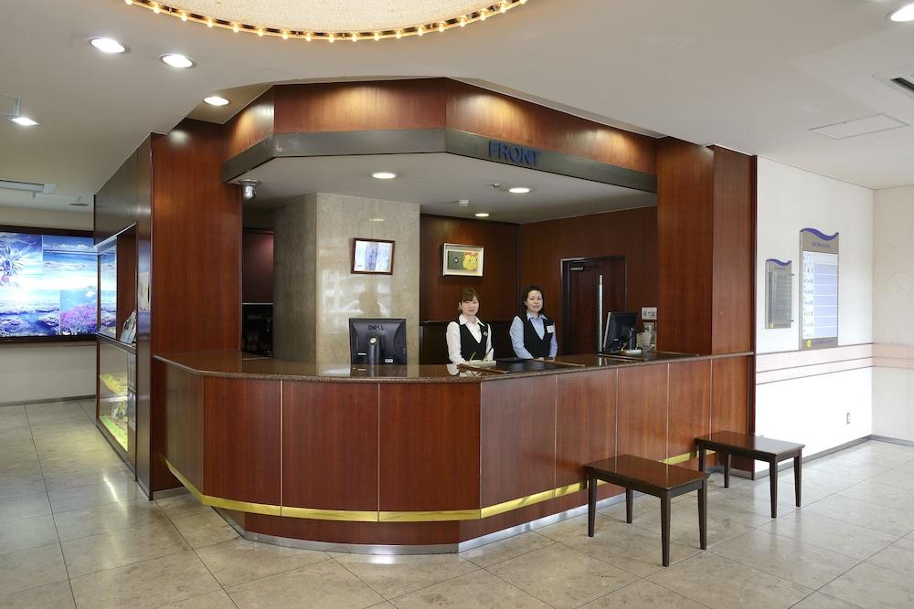 아마미 선플라자 호텔(Amami Sunplaza Hotel) Hotel Image 2 - Reception