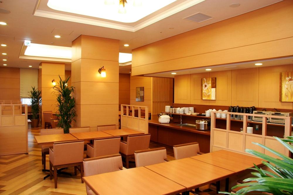 호텔 루트-인 치토세 에키마에(Hotel Route-Inn Chitose Ekimae) Hotel Image 27 - Restaurant