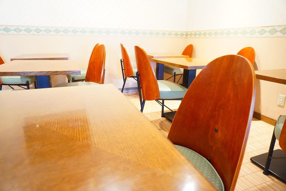 호텔 루트-인 하카타 에키 미나미(Hotel Route-Inn Hakata Eki Minami) Hotel Image 37 - Breakfast Area