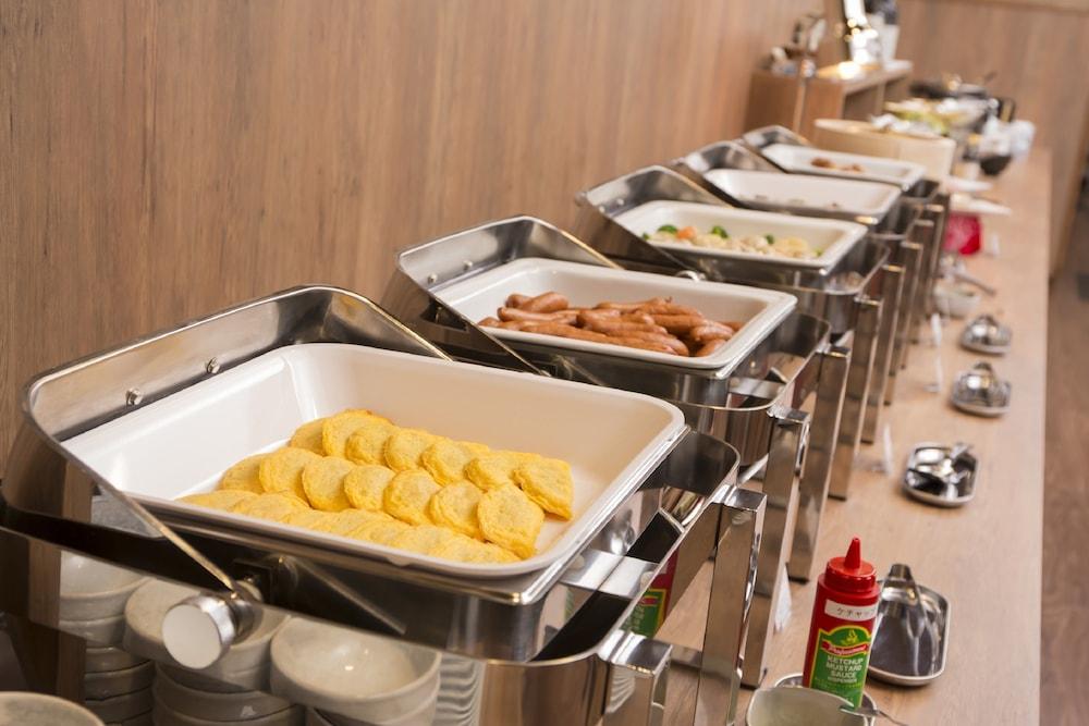 호텔 루트-인 하카타 에키 미나미(Hotel Route-Inn Hakata Eki Minami) Hotel Image 40 - Food and Drink