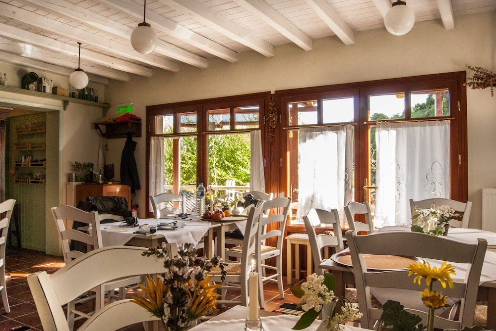 비라가스(Viraggas) Hotel Image 23 - Dining