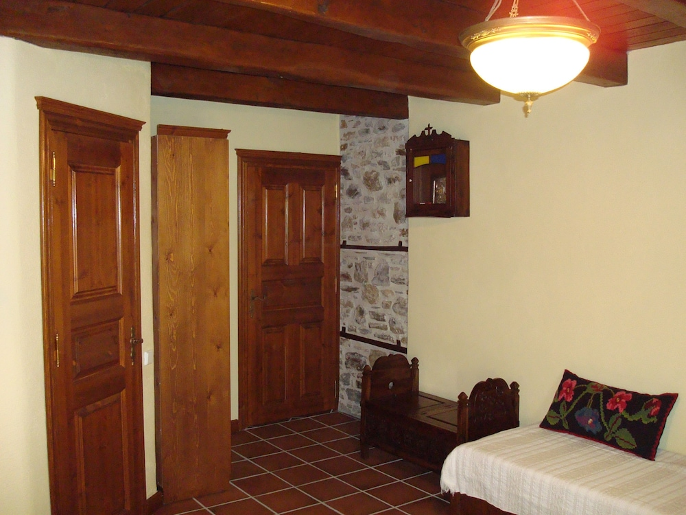 비라가스(Viraggas) Hotel Image 18 - Living Area