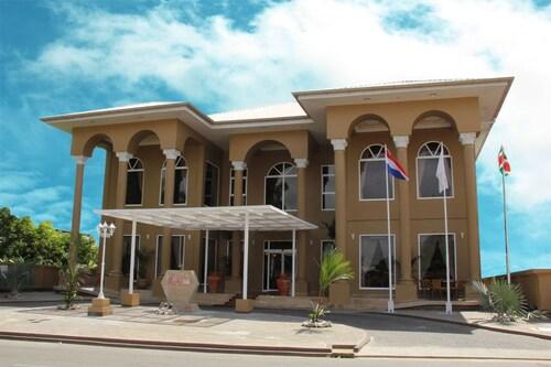 Sheva Hotel, Rainville