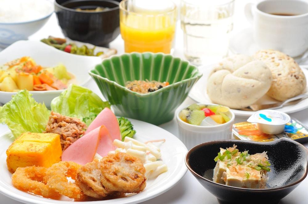 루트-인 그란티아 아키타 스파 리조트(Route-Inn Grantia Akita Spa Resort) Hotel Image 26 - Food and Drink