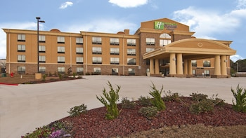 Holiday Inn Express & Suites Jackson / Pearl Intl Airport