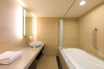 HOSHINO RESORTS L'HOTEL DE HIEI Bathroom