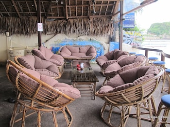 Blue Ribbon Dive Resort Puerto Galera Hotel Lounge