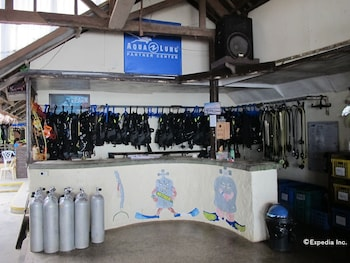 Blue Ribbon Dive Resort Puerto Galera Equipment Storage