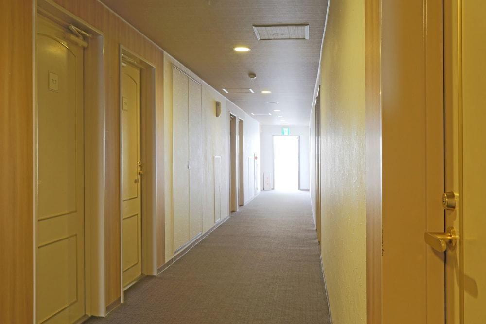 루트-인 그란티아 이시가키(Route-Inn Grantia Ishigaki) Hotel Image 26 - Hallway