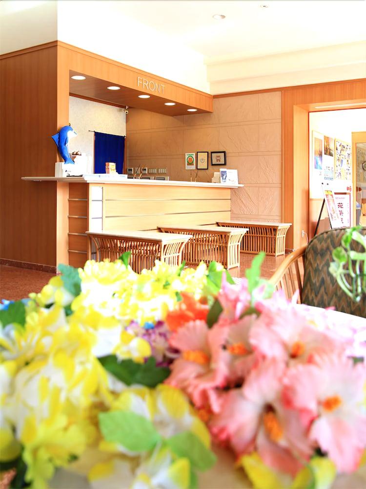 루트-인 그란티아 이시가키(Route-Inn Grantia Ishigaki) Hotel Image 15 - Interior Entrance