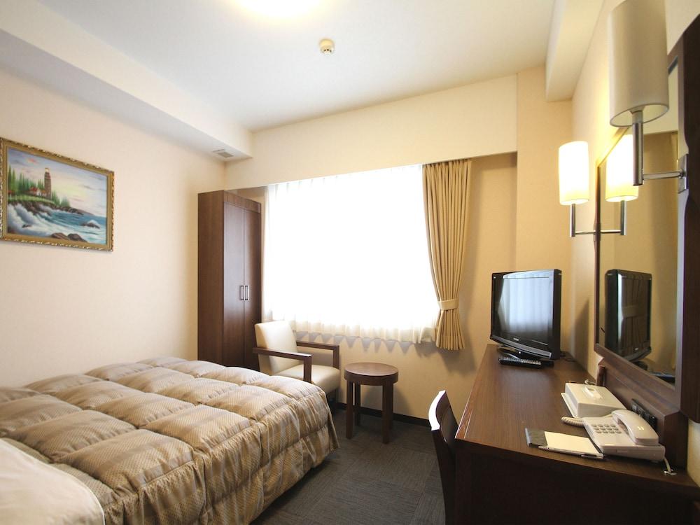루트-인 그란티아 이시가키(Route-Inn Grantia Ishigaki) Hotel Image 12 - Guestroom