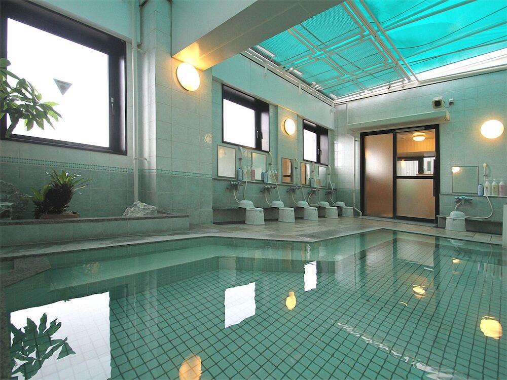 호텔 루트-인 나하 아사히바시 에키 히가시(Hotel Route-Inn Naha Asahibashi Eki Higashi) Hotel Image 22 - Indoor Spa Tub