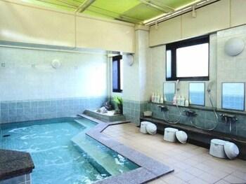 호텔 루트-인 나하 아사히바시 에키 히가시(Hotel Route-Inn Naha Asahibashi Eki Higashi) Hotel Image 19 - Indoor Spa Tub