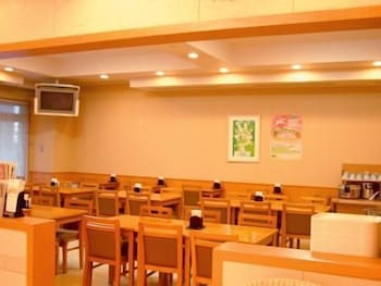 호텔 루트-인 나하 아사히바시 에키 히가시(Hotel Route-Inn Naha Asahibashi Eki Higashi) Hotel Image 30 - Dining