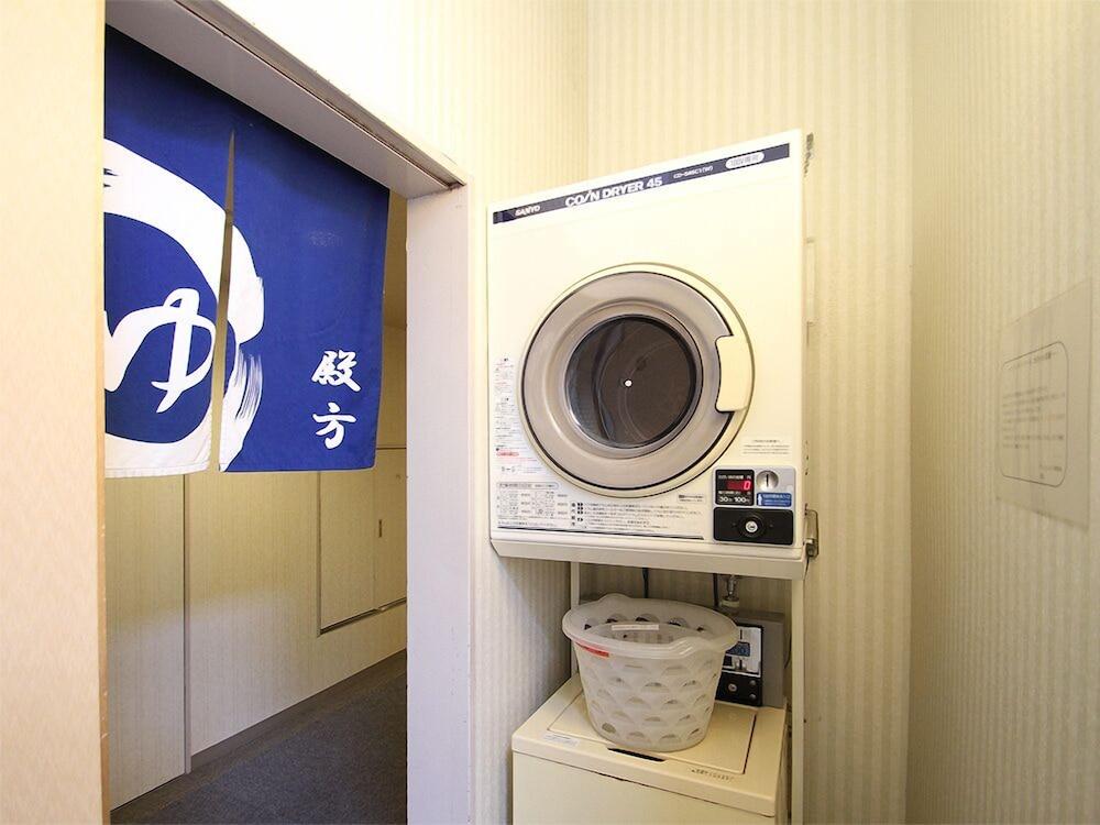 호텔 루트-인 나하 아사히바시 에키 히가시(Hotel Route-Inn Naha Asahibashi Eki Higashi) Hotel Image 27 - Laundry Room