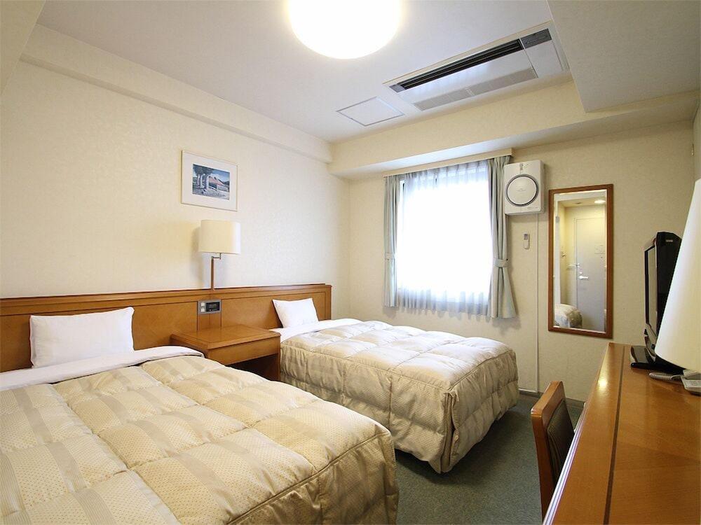 호텔 루트-인 나하 아사히바시 에키 히가시(Hotel Route-Inn Naha Asahibashi Eki Higashi) Hotel Image 11 - Guestroom