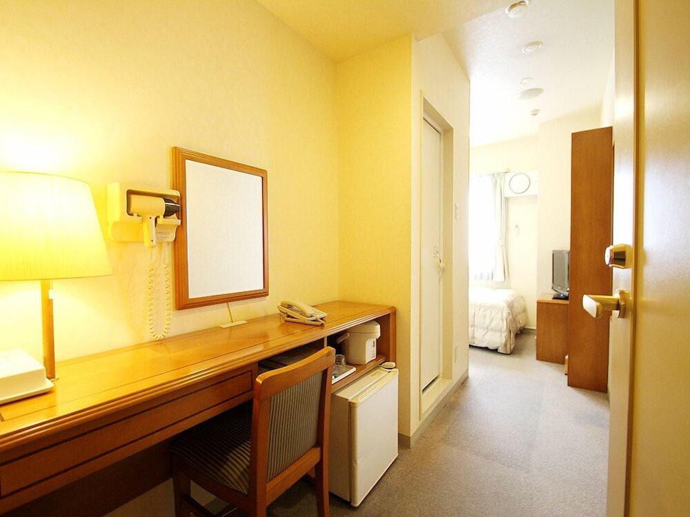 호텔 루트-인 나하 아사히바시 에키 히가시(Hotel Route-Inn Naha Asahibashi Eki Higashi) Hotel Image 12 - Living Area