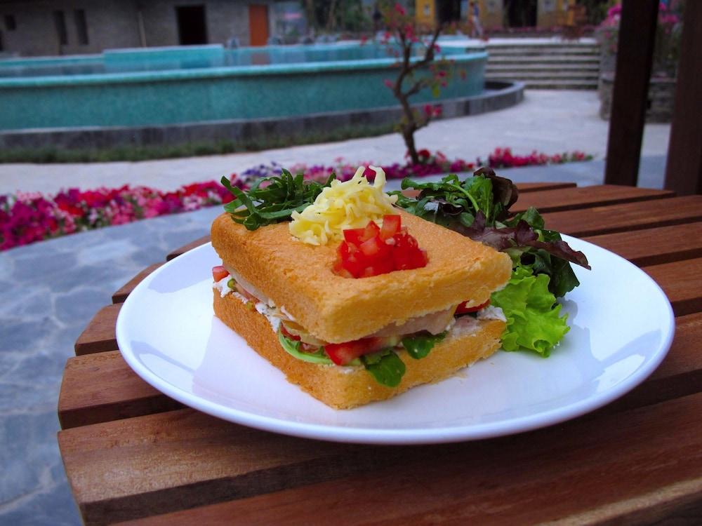 템플 트리 리조트 & 스파(Temple Tree Resort & SPA) Hotel Image 36 - Food and Drink
