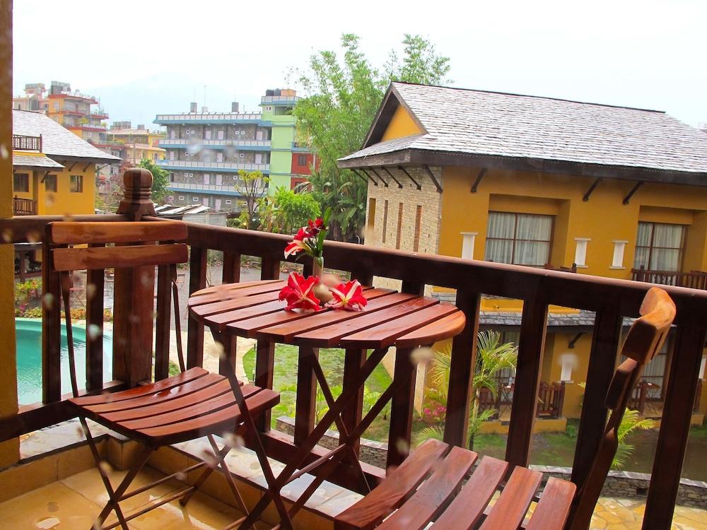 템플 트리 리조트 & 스파(Temple Tree Resort & SPA) Hotel Image 13 - Balcony