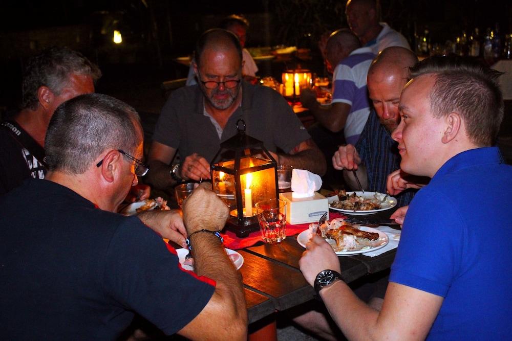 템플 트리 리조트 & 스파(Temple Tree Resort & SPA) Hotel Image 33 - Family Dining