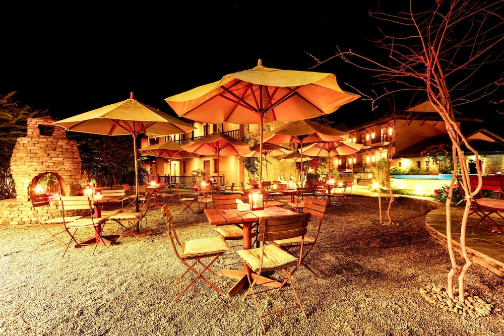 템플 트리 리조트 & 스파(Temple Tree Resort & SPA) Hotel Image 52 - Outdoor Dining