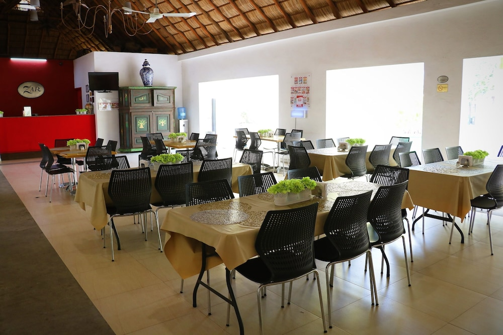 자 만자닐로(Zar Manzanillo) Hotel Image 32 - Restaurant