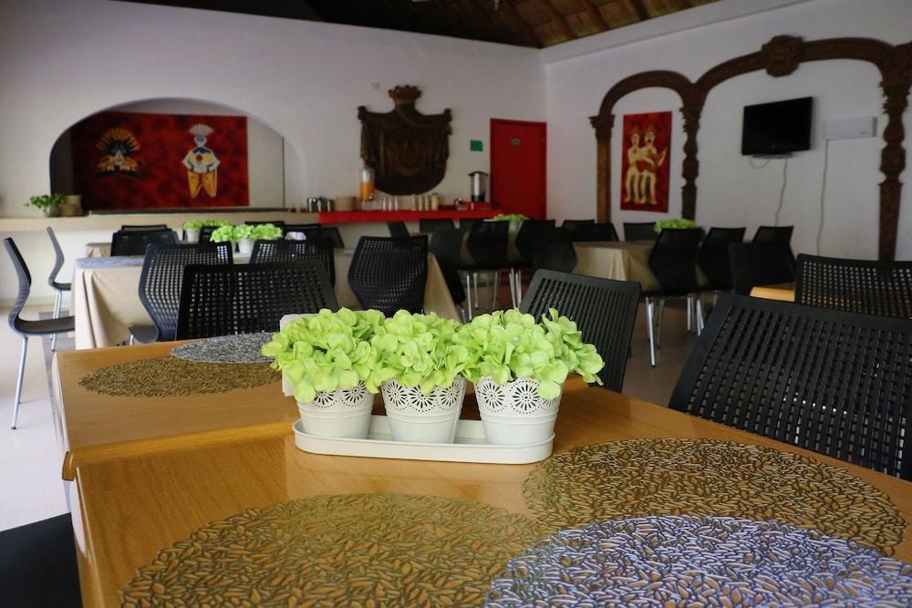자 만자닐로(Zar Manzanillo) Hotel Image 33 - Restaurant