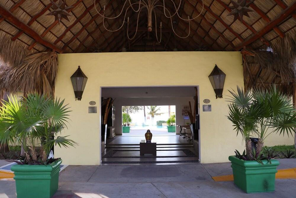 자 만자닐로(Zar Manzanillo) Hotel Image 40 - Hotel Front